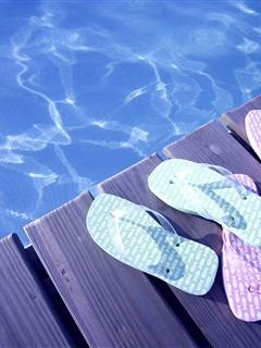Sea Slippers Mobile Wallpaper