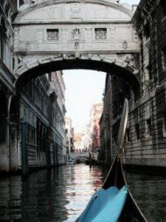Gondola In Italy Mobile Wallpaper