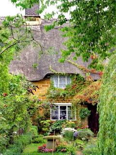 Nice Garden House Mobile Wallpaper