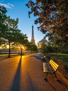Eiffel Tower Sun Lights Mobile Wallpaper