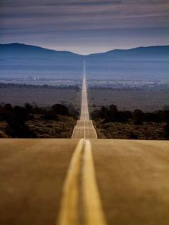 Lovely Huge Road Mobile Wallpaper