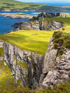 Cliffs Of Kerry In Ireland Mobile Wallpaper