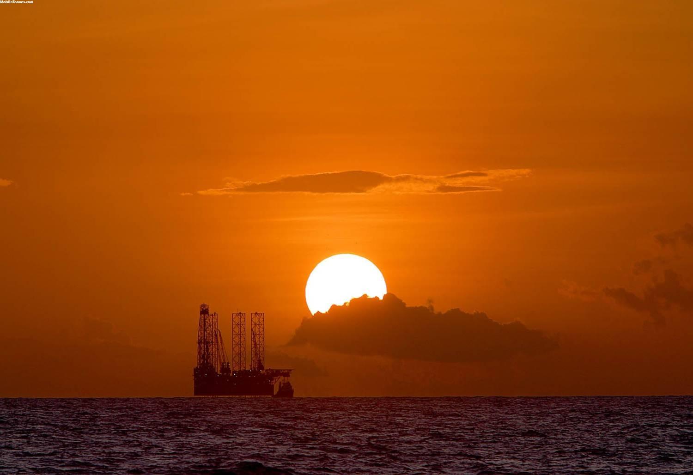 Sunset In Ocean Mobile Wallpaper