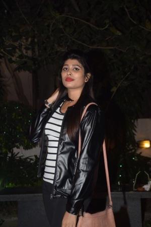 Model Nabanita Mukherjee Mobile Wallpaper