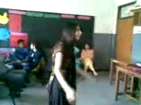 College Girl Dance Mobile Video